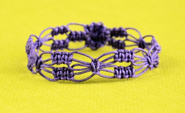 Easy Square Knot Flower Bracelet