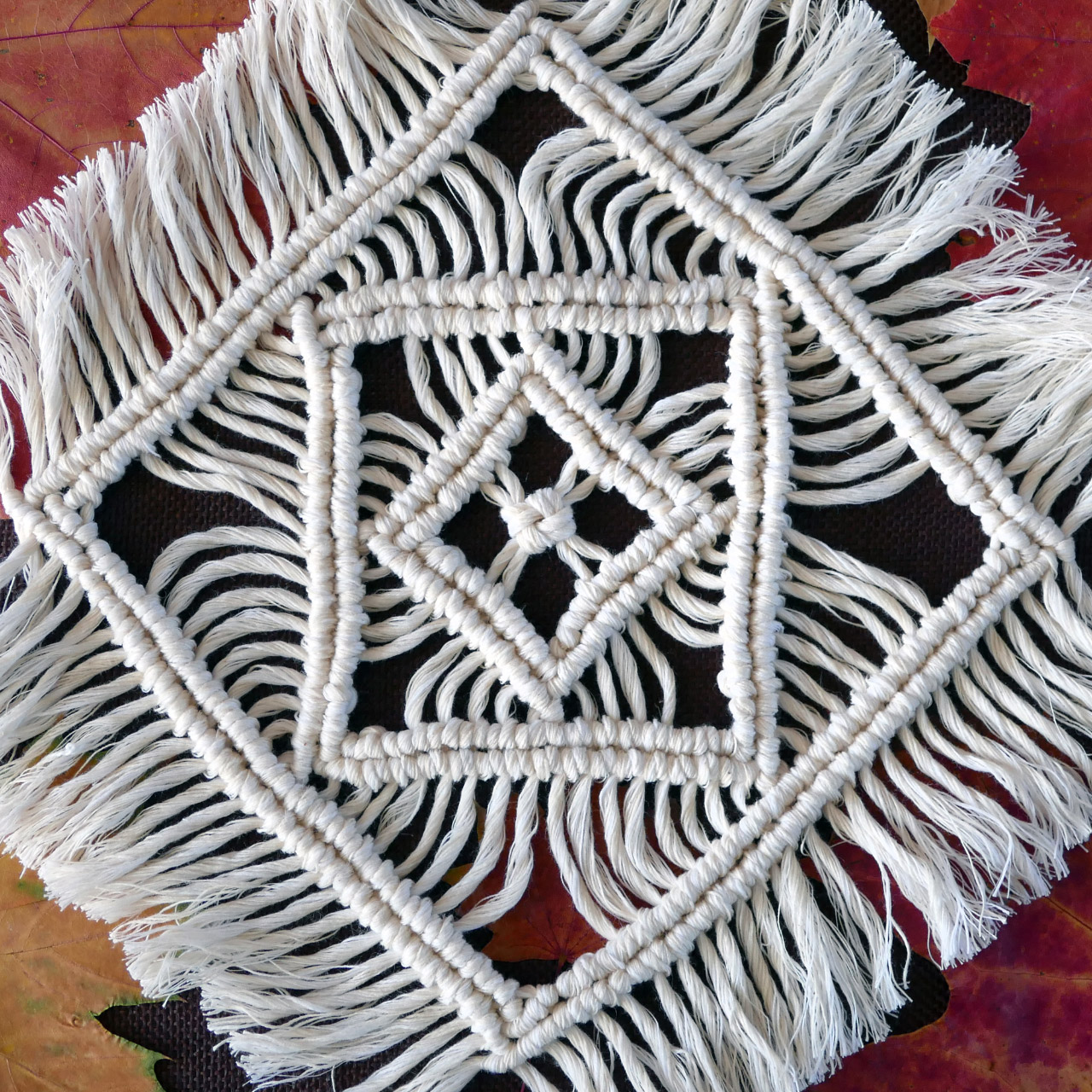 Macrame Tablecloth Tutorial - Table Mats, Table Decorations